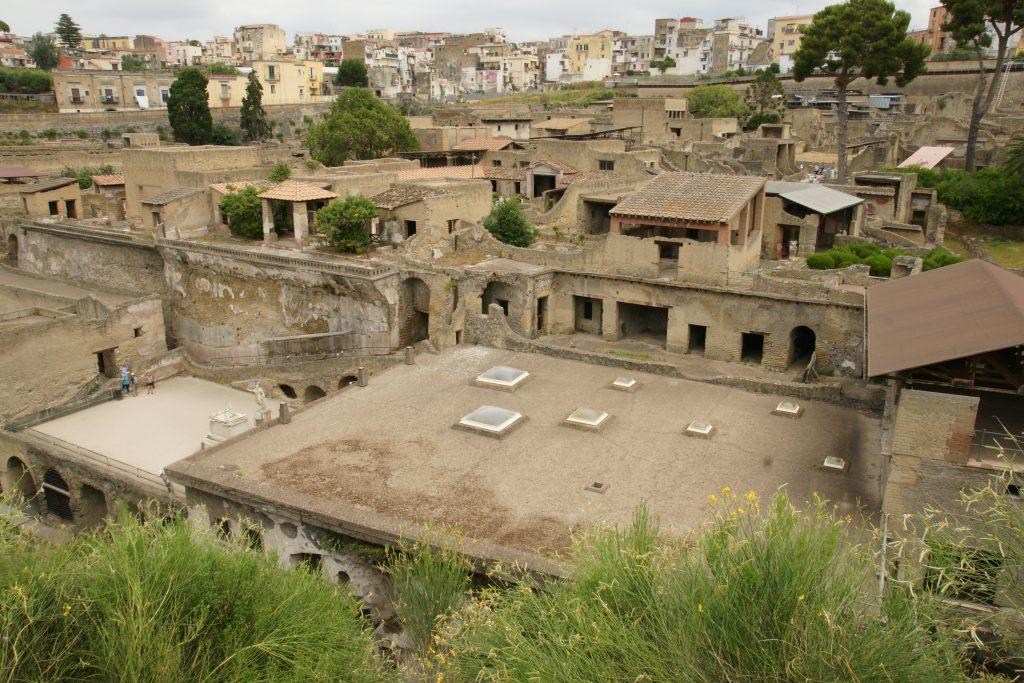 L'antica Ercolano a ridosso dell'abitato