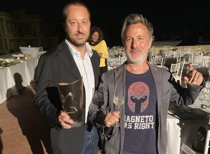 Davide Enia e Luca Marengo al ritiro del Premio Le maschere del Teatro italiano 2021